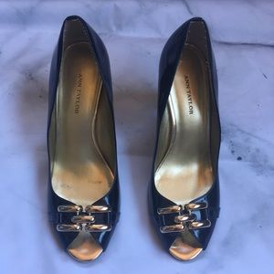 Ann Taylor Pumps Heels Navy Patent Leather Chains